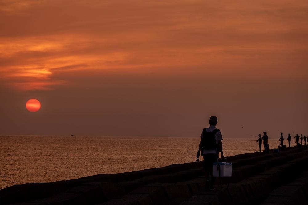 小松海岸 釣り人